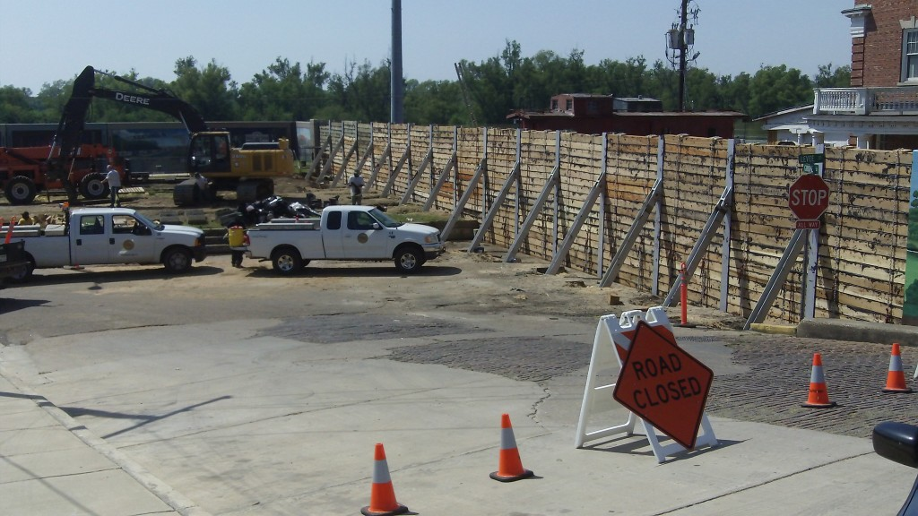 A flood wall has been constructed across railroad tracks in Vicksburg, Mississippi in anticipation of near historic flooding.  Photo: Howard Greenblatt/FEMA