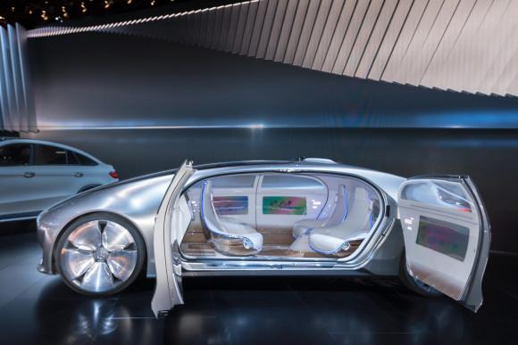 driverless-car-concept