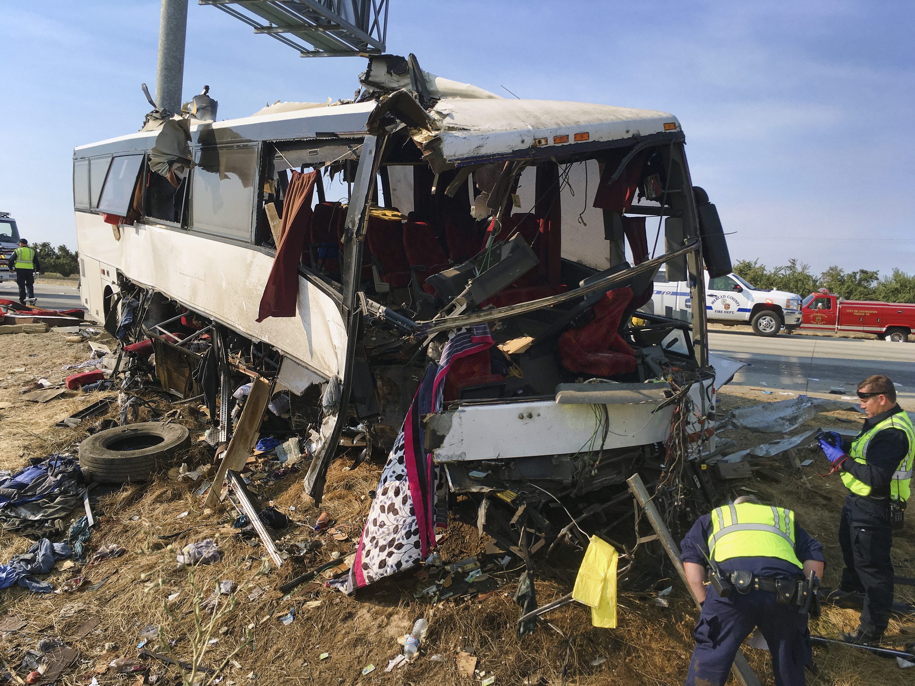 Traffic Safety Investigators Probing California Bus Crash That Killed 4