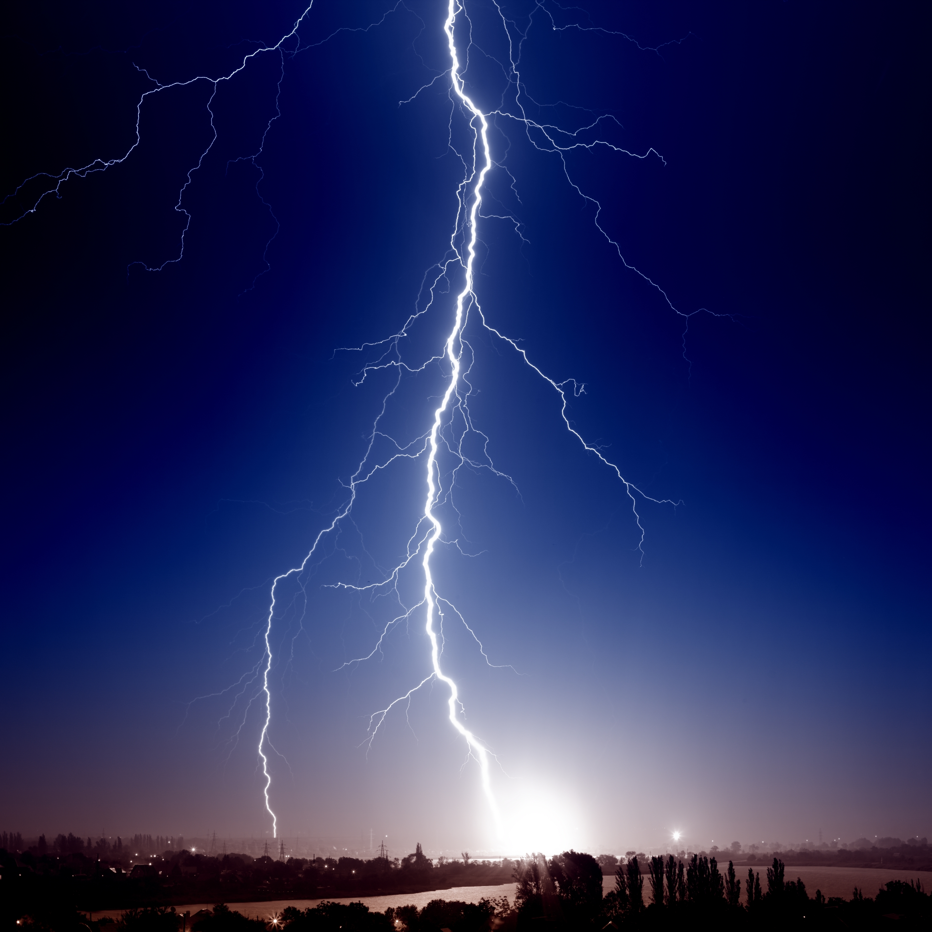 Homeowner Insurance Claim Severity Up 7% Due to Lightning ...