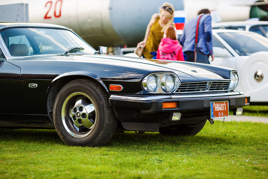 Now\'s the Time to Invest in \'80s-Era Classic Cars