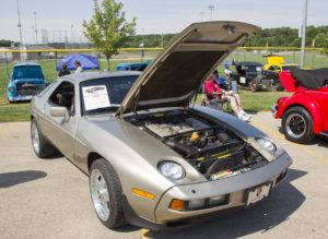 Now's the Time to Invest in '80s-Era Classic Cars