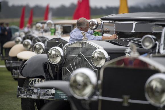 Famed Pebble Beach Classic Car Show Attracting New Models - Classic show cars