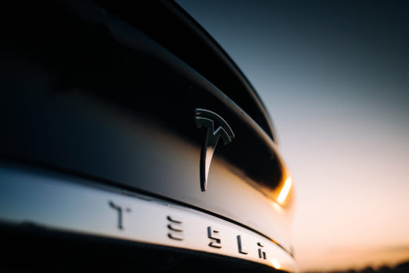 Safety Head Criticizes Tesla Over Its Release of New Self-Driving Software