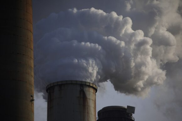 Asset Managers, Including Allianz, to Cut Portfolio Emissions by at Least 25% by 2025