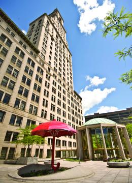 In Hartford Conn Landmark Travelers Tower Gets Face Lift