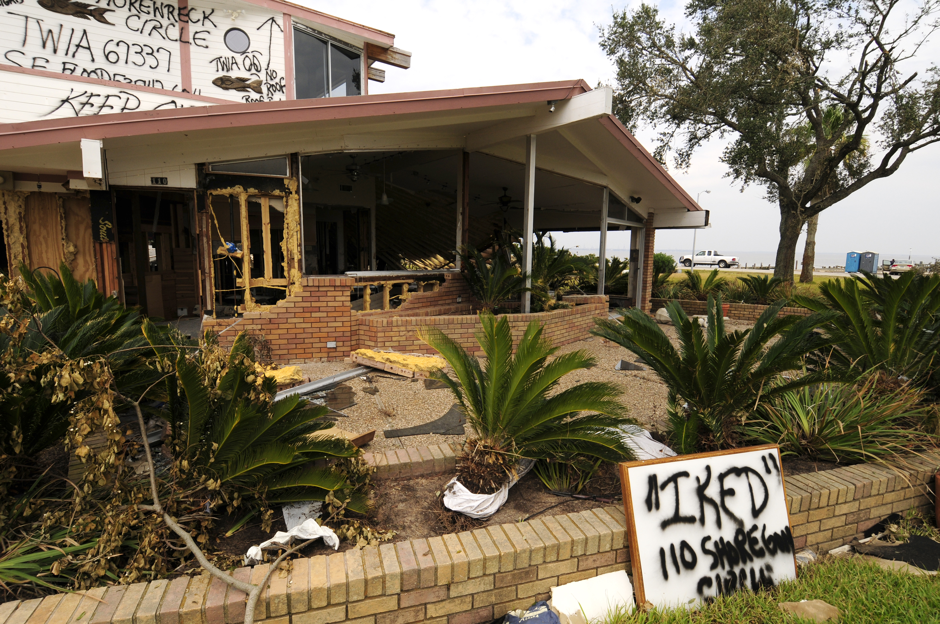Study to review texas hurricane protection ideas for Porte 12 fooding